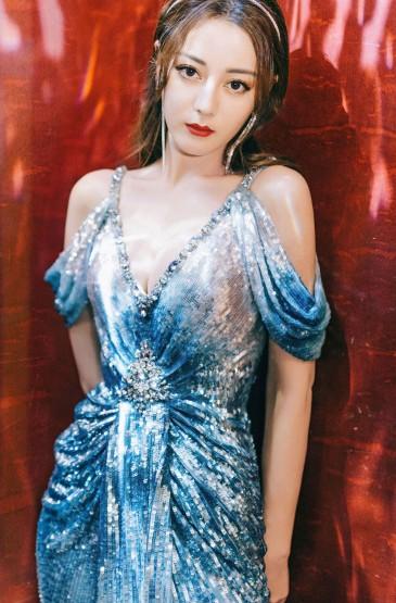 迪麗熱巴人魚裙高清桌面