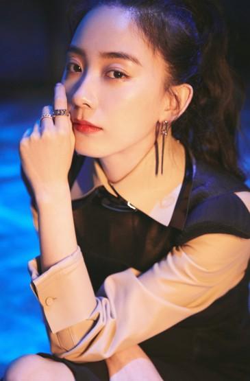 美女明星朱顏曼滋手機壁