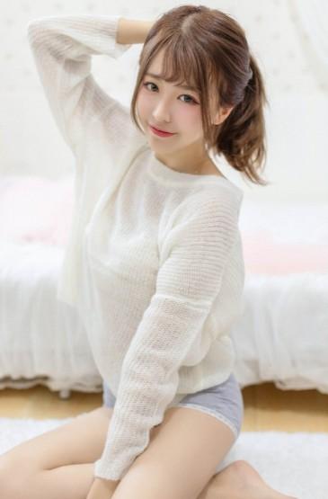 <白皙长腿美女性感诱人私房写真图片