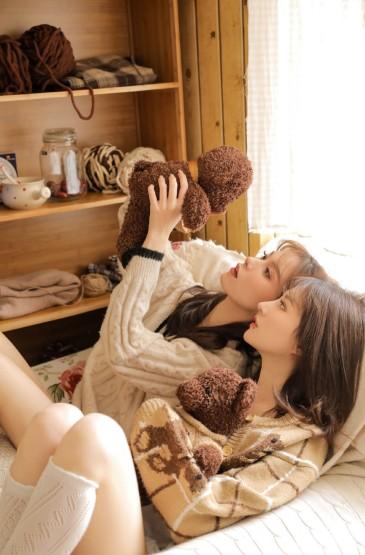 <麻辣美女姐妹花私房诱惑性感写真