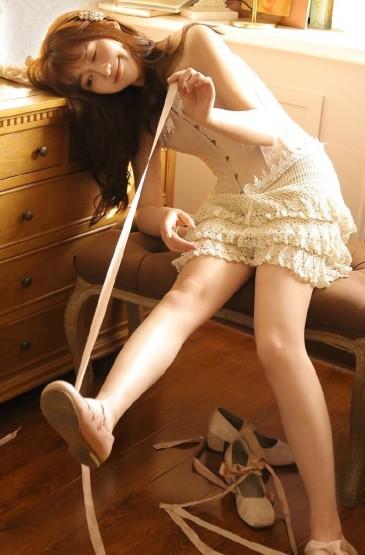 <绝色美女丰满性感长腿美女写真图片 第一辑