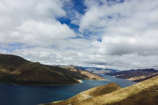 西藏羊卓雍措湖唯美風景