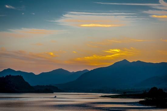江苏阳羡湖黄昏风景图片桌面壁纸