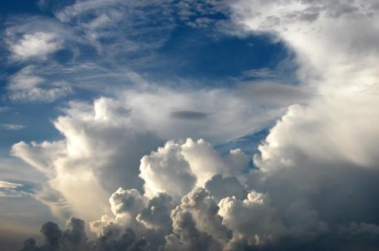 唯美云朵天空风景图片桌面壁纸