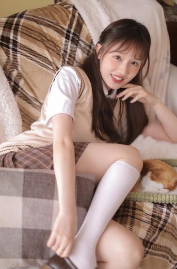 日系美女性感美腿诱惑私