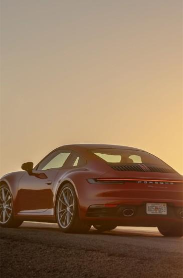 酷炫红色跑车图片手机壁纸