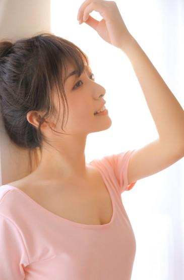 <粉色舞蹈服裝美女氣質性感圖片