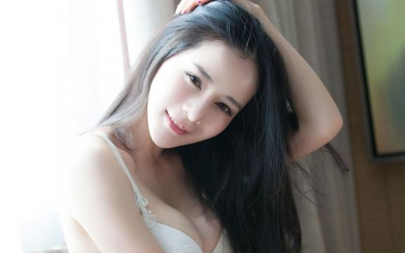<巨乳美女性感内衣火辣人体艺术诱惑写真