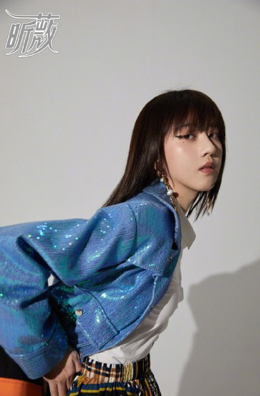 李凯馨百变时尚写真图片