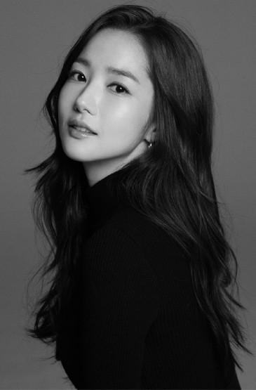 韓國美女明星樸敏英寫真