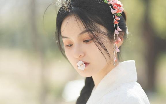 清纯可爱美少女和服写真