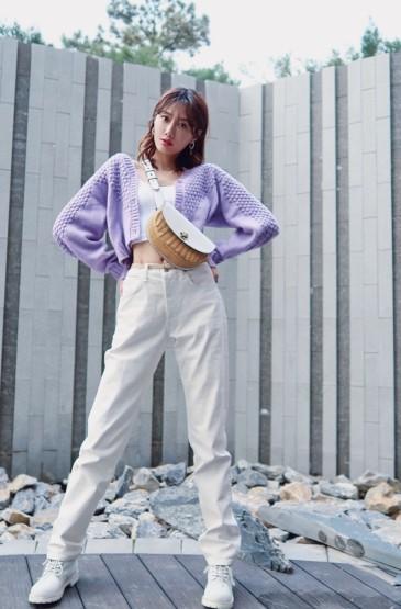 李斯羽丁香紫甜美靓丽图
