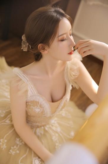 成熟氣質美女性感撩人寫
