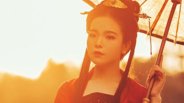优雅仙气唯美古装美女阳光户外迷人写真