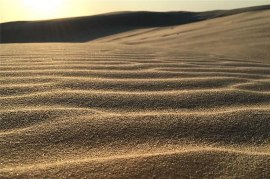 荒芜沙漠风景高清桌面壁