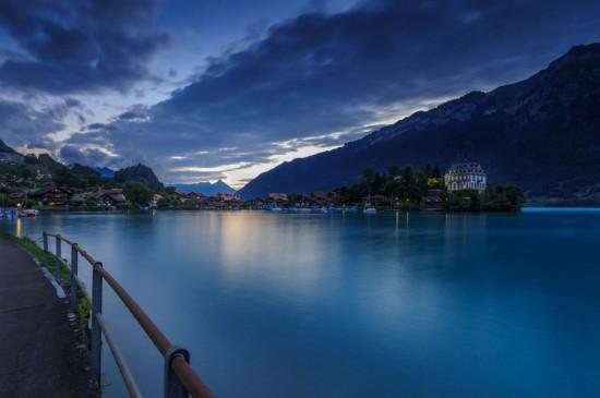 瑞士因特拉肯湖唯美風景