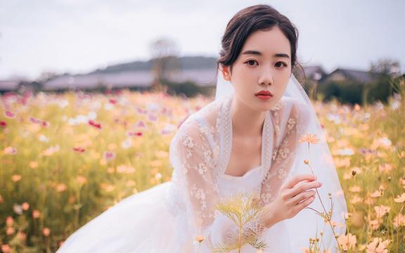 甜美气质少女唯美婚纱照