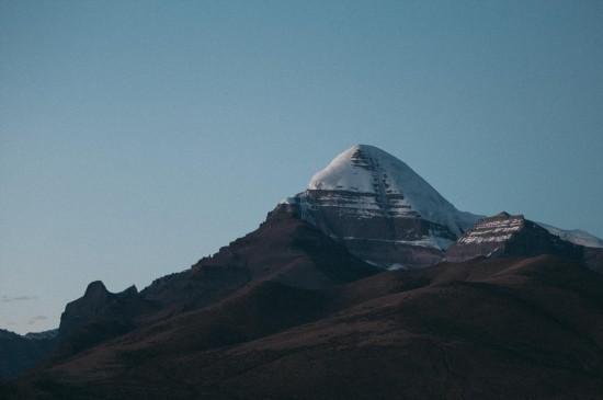 <峻峭山脉自然风光图片桌面壁纸